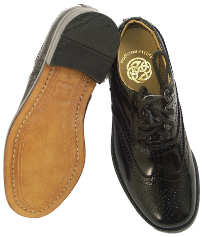 childrens-black-leather-soled-ghille-brogues-3